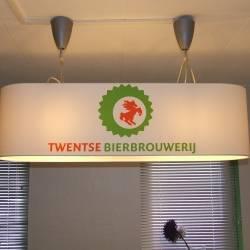 Ovale Haengelampen fuer Twentse Bierbrauerei.JPG