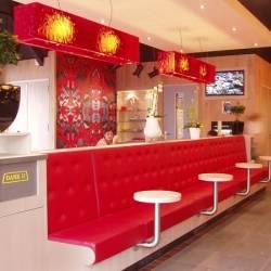 rechteckige Haengelampe Restaurant