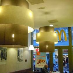 Schirm in Schirm Lampen an Mc Donalds geliefert