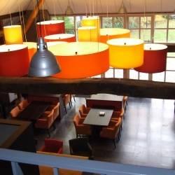 Lampenschirme mit 3 Fassungen in verschiedenen Farben